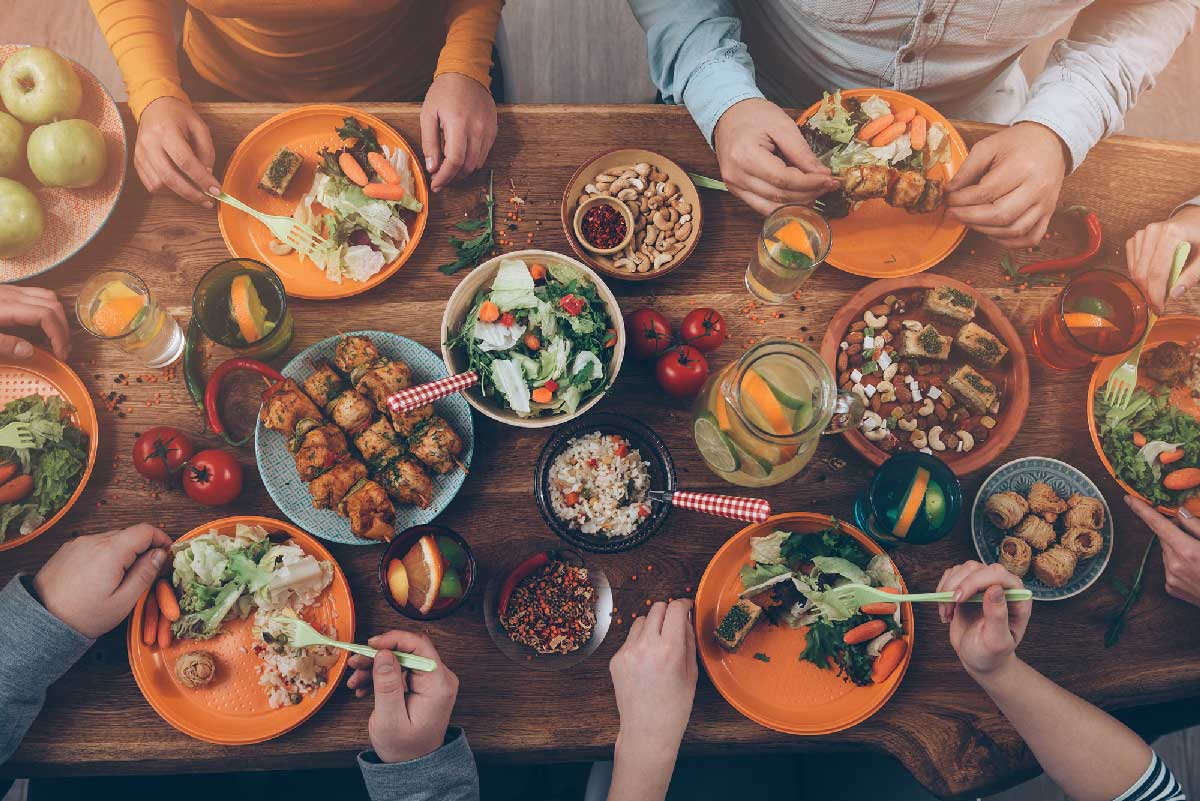 food-dining-table_sml